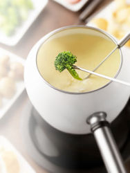 Brocolli cheese fondue